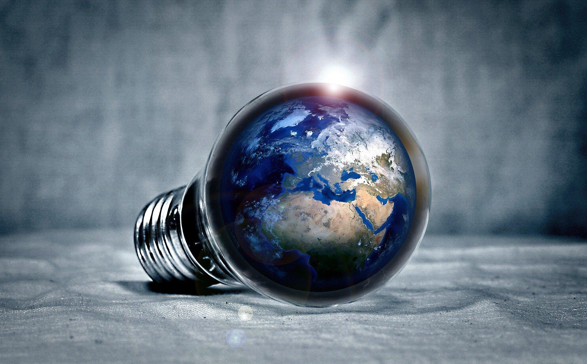 planète terre dans une ampoule