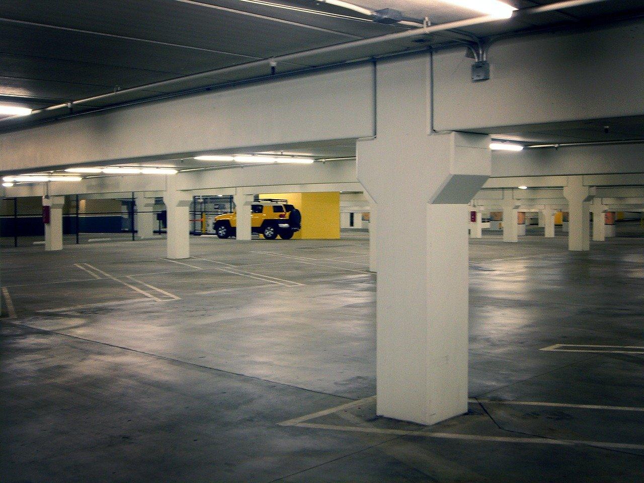 מערכות LPR לשם מעקב רכבים בחניה