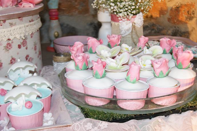 μπουφέ βάπτισης christina vintage, ζαχαροπλαστείο καλαμάτας madame charlotte, birthday baptism theme cup cakes kalamata