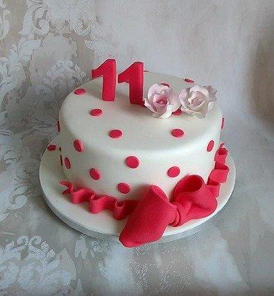 τούρτα γενεθλίων απο ζαχαρόπαστα κορίτσι 11 ετών sweet 11 madame charlotte kalamata, birthday cakes kalamata