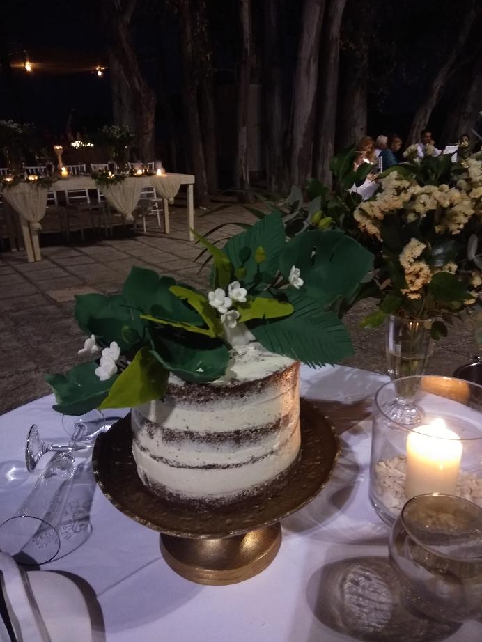 τούρτα γάμου γλυκά ζουγκλα εξωτικα ανθη λουλουδια μπουμπουκια jungle μπουφέ γάμου cookies από ζαχαρόπαστα, ζαχαροπλαστεία καλαμάτα madame charlotte, wedding cakes kalamata