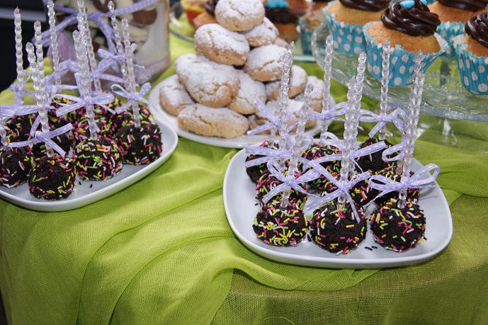 μπουφέ βάπτισης cake pops Ζαχαροπλαστειο καλαματα madame charlotte, birthday cakes kalamata