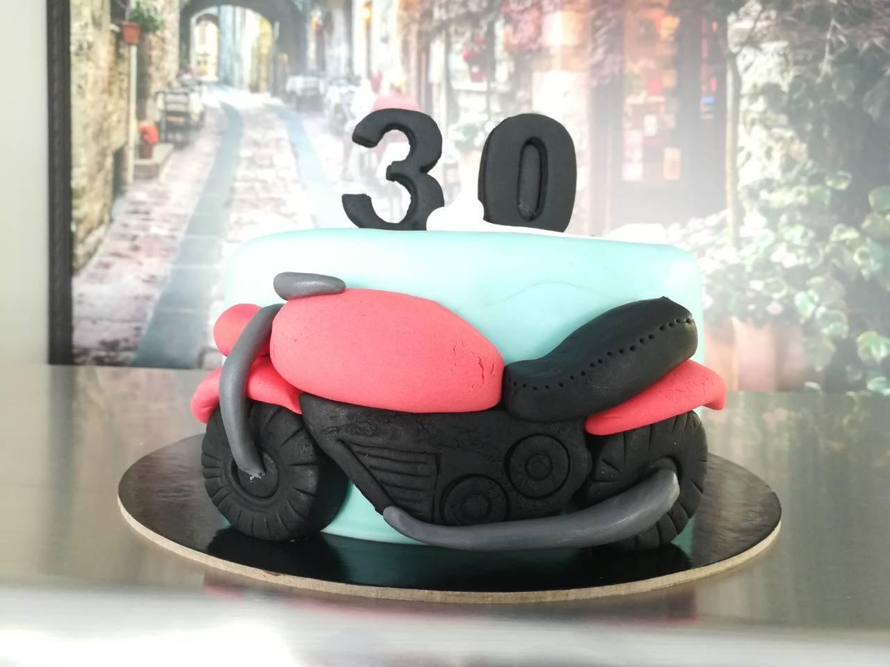 τούρτα από ζαχαρόπαστα motorbike Ζαχαροπλαστείο καλαμάτα madamecharlotte.gr, party birthday cakes 2d 3d confectionery patisserie kalamata