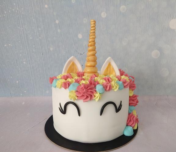 τούρτα από ζαχαρόπαστα μονόκερος unicorn Ζαχαροπλαστείο καλαμάτα madamecharlotte.gr, birthday party cakes 2d 3d confectionery patisserie kalamata