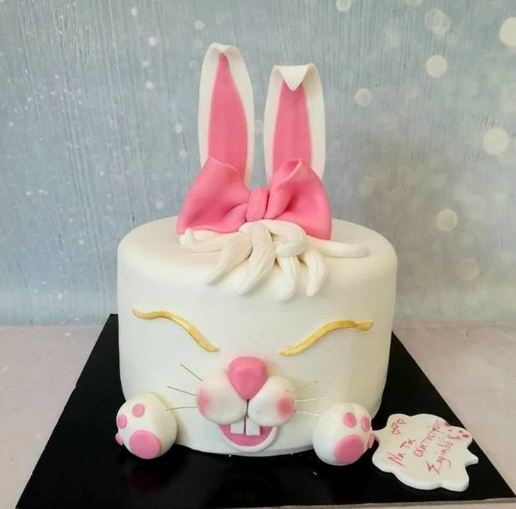 τούρτα από ζαχαρόπαστα bunny, Ζαχαροπλαστείο καλαμάτα madamecharlotte.gr, τούρτες γεννεθλίων γάμου βάπτησης παιδικές θεματικές birthday theme party cake 2d 3d confectionery patisserie kalamata