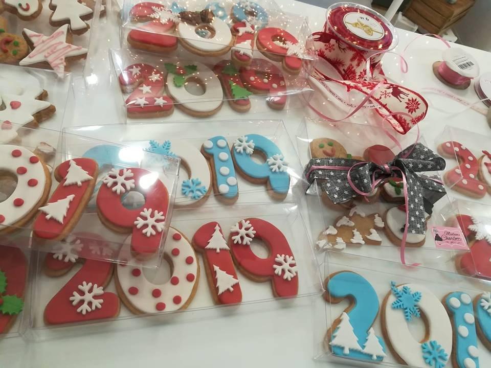 χριστουγεννιάτικα μπισκότα (βουτύρου ή μπαχαρικών), Ζαχαροπλαστείο καλαμάτα madame charlotte, σοκολατάκια πάστες γλυκά τούρτες γεννεθλίων γάμου βάπτισης παιδικές θεματικές birthday theme party cake 2d 3d confectionery patisserie kalamata