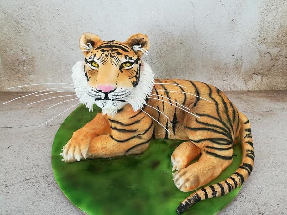 τούρτα από ζαχαρόπαστα tiger, ζαχαροπλαστείο καλαμάτα madamecharlotte.gr, birthday theme party cakes 2d 3d confectionery patisserie kalamata