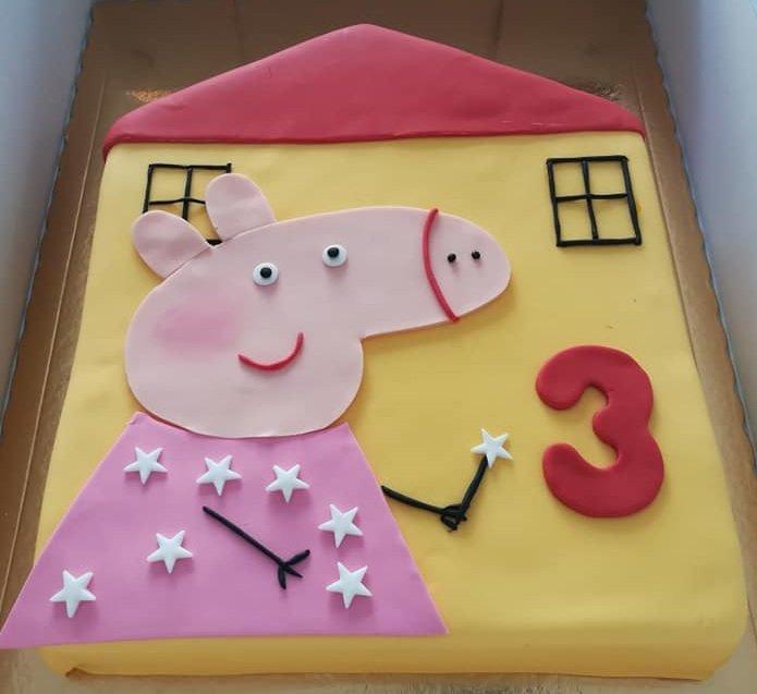 τούρτα γενεθλίων από ζαχαρόπαστα peppa pig house, Ζαχαροπλαστειο καλαματα madame charlotte, τουρτες παιδικες γενεθλιων madamecharlotte.gr birthday cakes kalamata