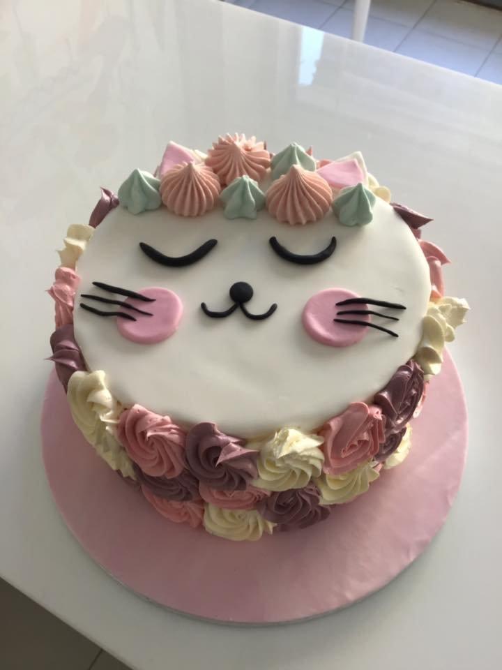 τούρτα απο ζαχαρόπαστα γατούλα, Ζαχαροπλαστείο καλαμάτα madame charlotte, τούρτες γεννεθλίων γάμου βάπτησης παιδικές θεματικές birthday theme party cake 2d 3d confectionery patisserie kalamata