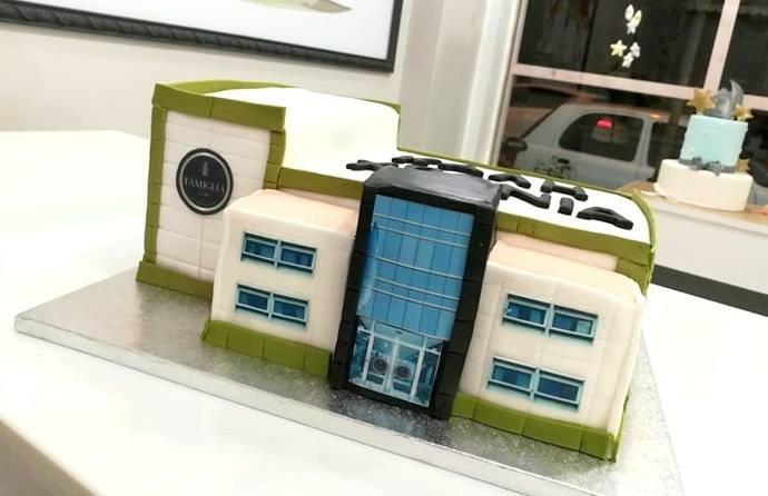 βασιλόπιτα απο ζαχαρόπαστα εργοστάσιο εταιρίας famiglia, Ζαχαροπλαστείο καλαμάτα madamecharlotte.gr, birthday cakes 2d 3d confectionery patisserie kalamata