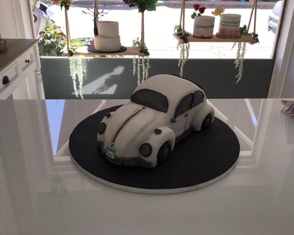 τούρτα από ζαχαρόπαστα σκαραβαιος VW αμαξι αυτοκινητο, Ζαχαροπλαστείο καλαμάτα madame charlotte, τούρτες γεννεθλίων γάμου βάπτησης παιδικές θεματικές birthday theme party cake 2d 3d confectionery patisserie kalamata