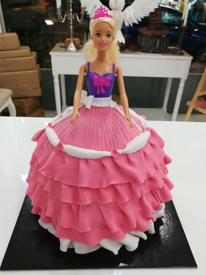 τούρτα από ζαχαρόπαστα κούκλα barbie pink dress, Ζαχαροπλαστείο καλαμάτα madame charlotte, τούρτες γεννεθλίων γάμου βάπτησης παιδικές θεματικές birthday theme party cake 2d 3d confectionery patisserie kalamata