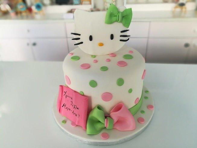 τούρτα από ζαχαρόπαστα hello kitty, Ζαχαροπλαστεία στη καλαμάτα madame charlotte, τούρτες γεννεθλίων γάμου βάπτησης παιδικές θεματικές birthday theme party cake 2d 3d confectionery patisserie kalamata