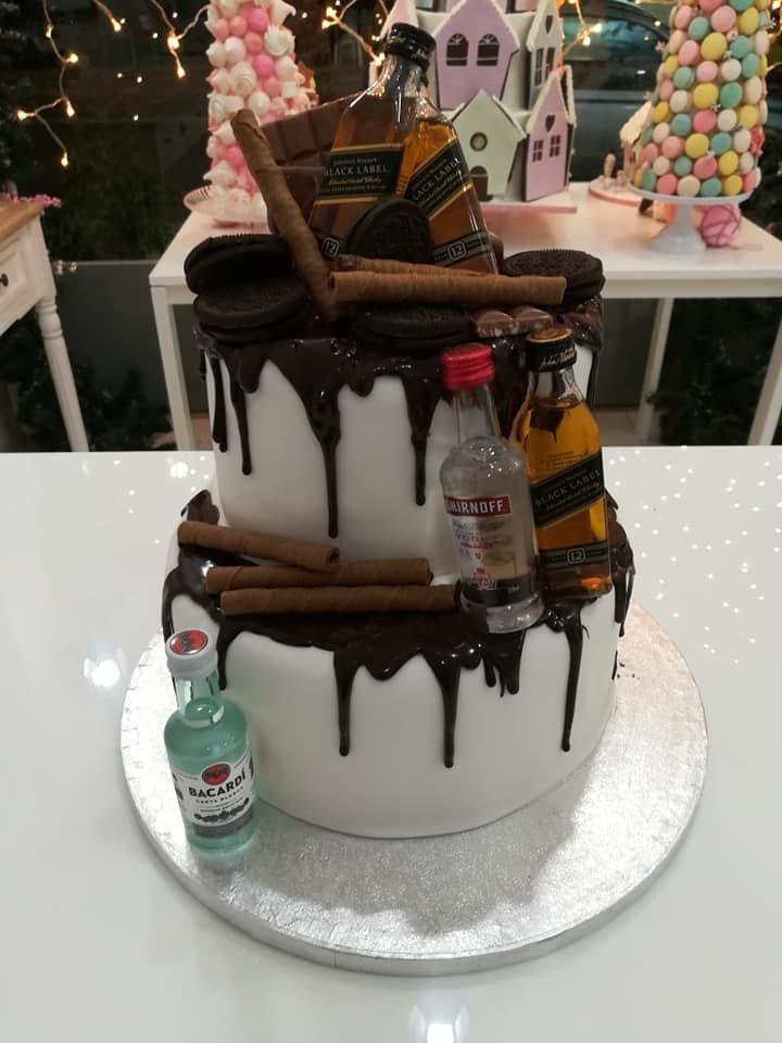 τούρτα από ζαχαρόπαστα jonnie walker smirnoff bacardi αλκοολούχα ποτά ουίσκι βότκα, Ζαχαροπλαστεία στη καλαμάτα madame charlotte, τούρτες γεννεθλίων γάμου βάπτησης παιδικές θεματικές birthday theme party cake 2d 3d confectionery patisserie kalamata