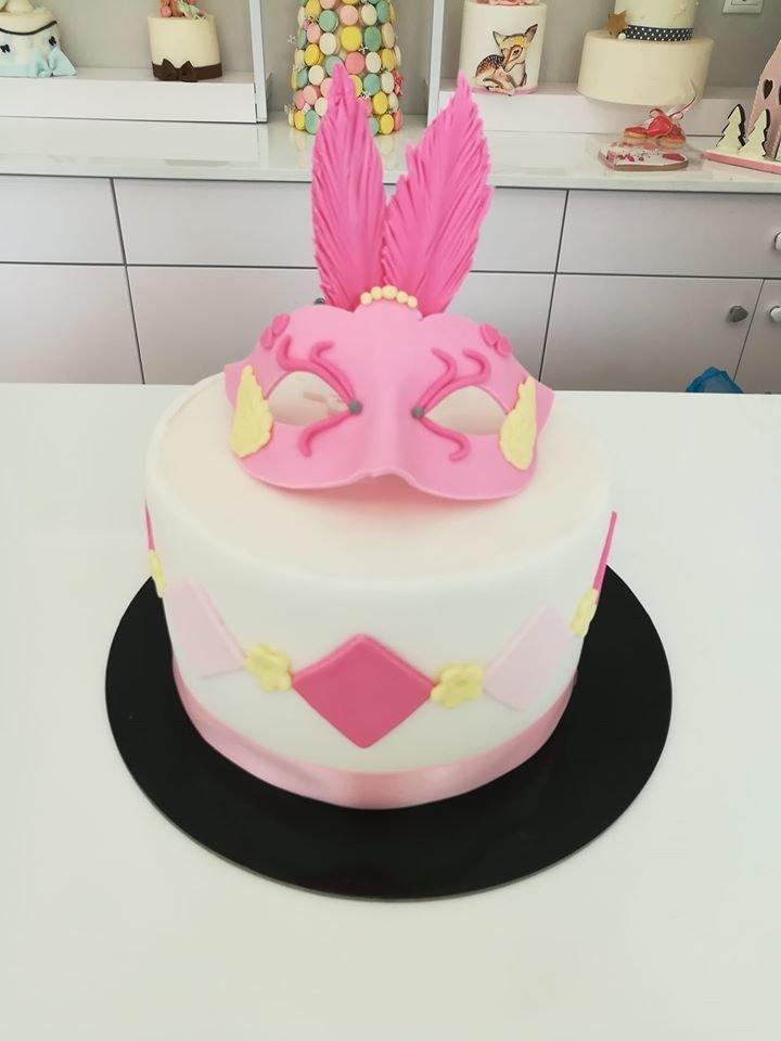 τούρτα από ζαχαρόπαστα carnival mask μάσκα καρναβαλιού, Ζαχαροπλαστεία στη καλαμάτα madame charlotte, τούρτες γεννεθλίων γάμου βάπτησης παιδικές θεματικές birthday theme party cake 2d 3d confectionery patisserie kalamata