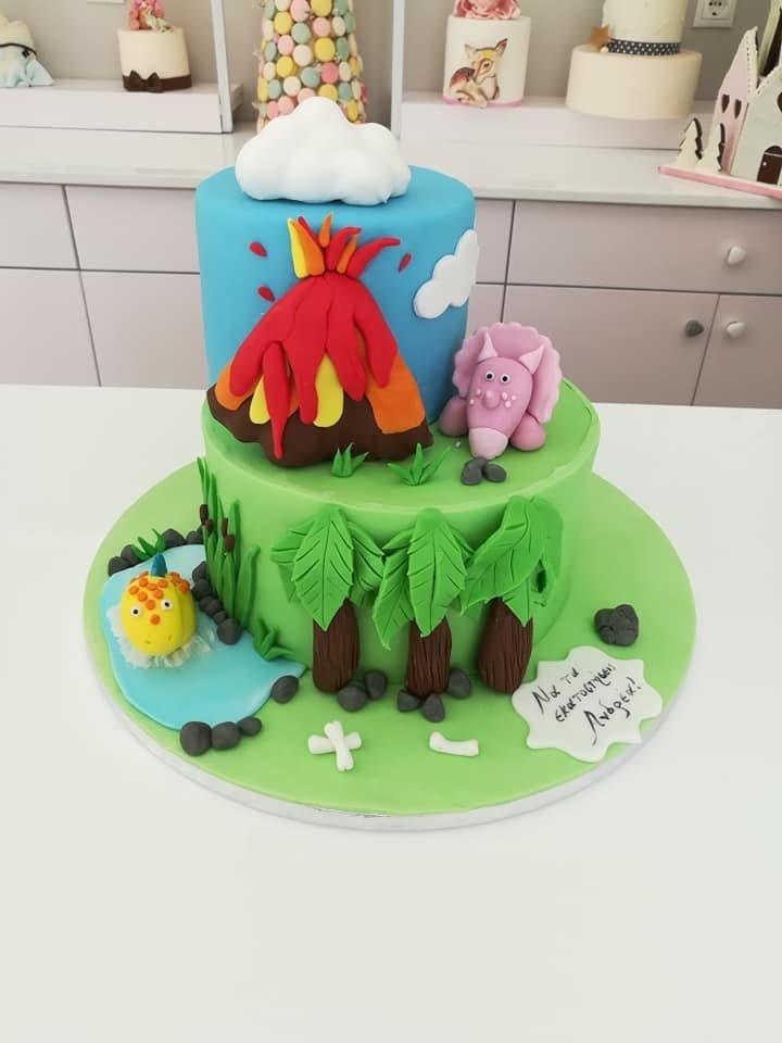 τούρτα από ζαχαρόπαστα δεινόσαυροι, Ζαχαροπλαστείο καλαμάτα madame charlotte, τουρτες παρτι παιδικες γενεθλίων για αγόρια για κορίτσια για μεγάλους madamecharlotte.gr birthday theme cakes patisserie confectionery kalamata