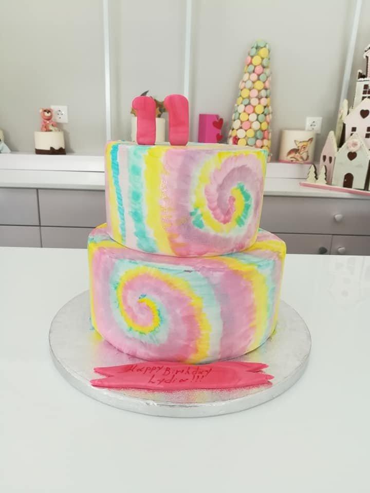 τούρτα από ζαχαρόπαστα abstruct themed cake, Ζαχαροπλαστείο Καλαμάτα madame charlotte, τούρτες για πάρτι παιδικές γενεθλίων για αγόρια για κορίτσια για μεγάλους madamecharlotte.gr birthday themed cakes patisserie confectionery kalamata