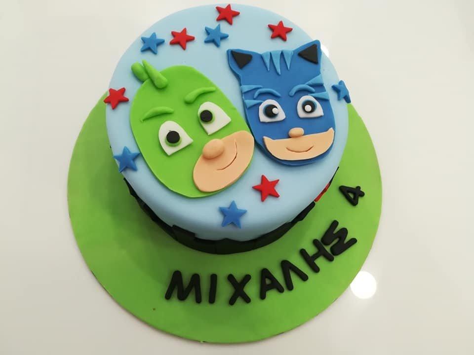 τούρτα από ζαχαρόπαστα πιτζαμοήρωες, PJ Masks θεματική τούρτα themed cake, Ζαχαροπλαστείο Καλαμάτα madame charlotte, τούρτες για πάρτι παιδικές γενεθλίων για αγόρια για κορίτσια για μεγάλους madamecharlotte.gr birthday themed cakes patisserie confectionery kalamata