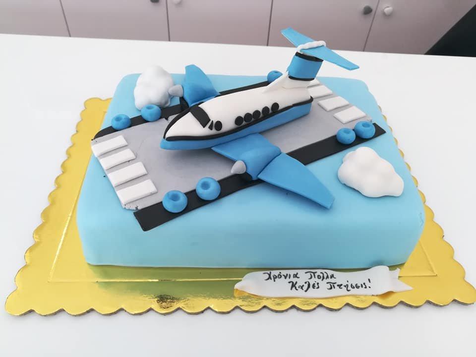 τούρτα από ζαχαρόπαστα αεροπλάνο, aeroplane themed cake, Ζαχαροπλαστεία Καλαμάτα madame charlotte, τούρτες για πάρτι παιδικές γενεθλίων για αγόρια για κορίτσια για μεγάλους, birthday themed cakes patisserie confectionery kalamata