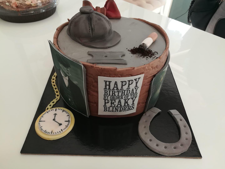 τούρτα από ζαχαρόπαστα, themed cake, Ζαχαροπλαστεία στη Καλαμάτα madame charlotte, τούρτες γεννεθλίων γάμου βάπτησης παιδικές θεματικές birthday theme party cake 2d 3d confectionery patisserie kalamata