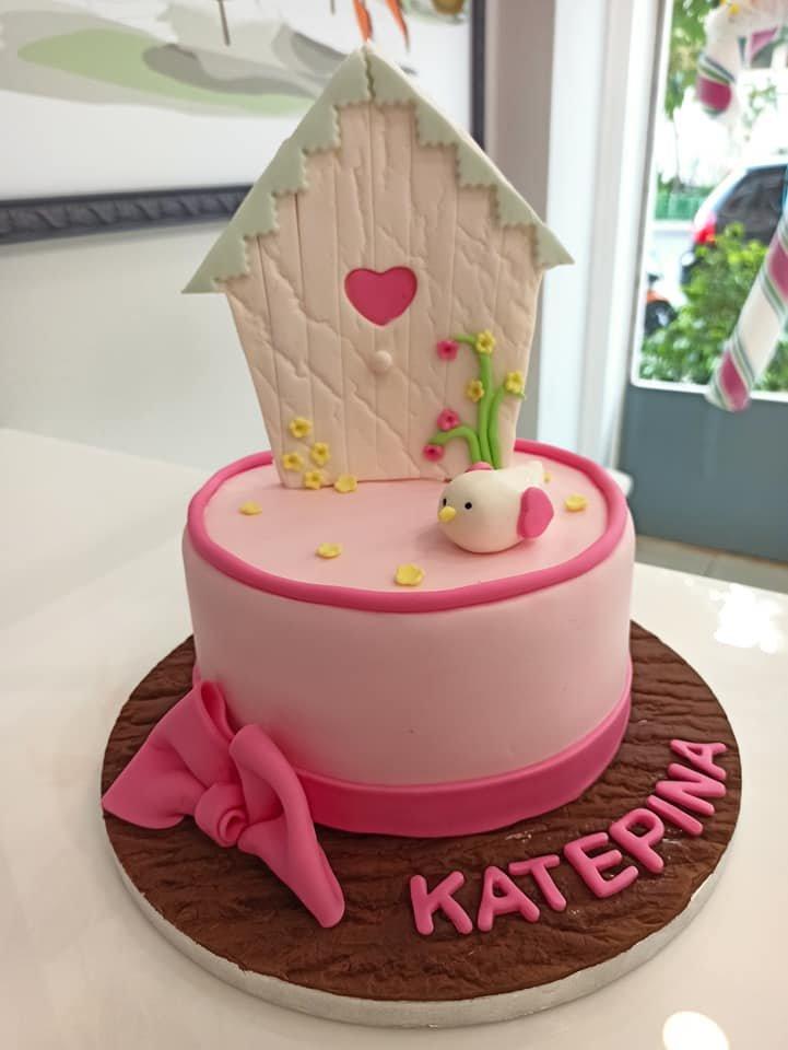τούρτα από ζαχαρόπαστα κούκος, bird themed cake, Ζαχαροπλαστεία στη Καλαμάτα madame charlotte, τούρτες γεννεθλίων γάμου βάπτησης παιδικές θεματικές birthday theme party cake 2d 3d confectionery patisserie kalamata