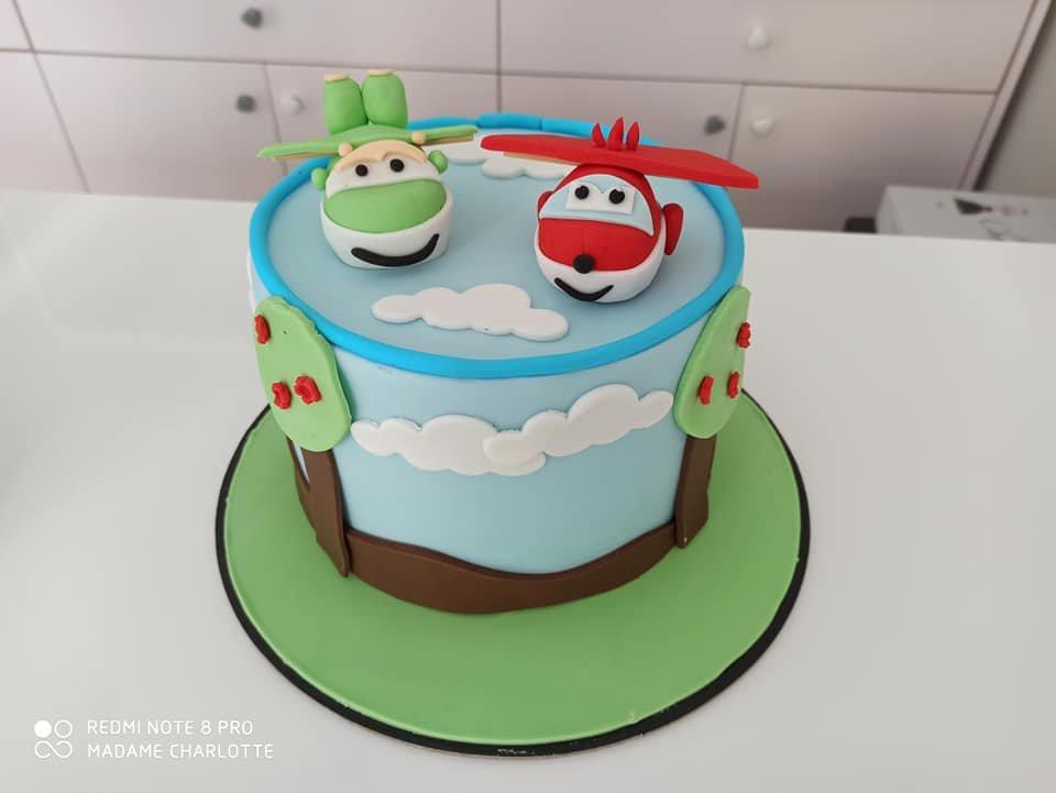 τούρτα από ζαχαρόπαστα super wings themed cake, Ζαχαροπλαστεία στη Καλαμάτα madame charlotte, τούρτες γεννεθλίων γάμου βάπτησης παιδικές θεματικές birthday theme party cake 2d 3d confectionery patisserie kalamata