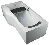 Image of a bath with a built-in seat