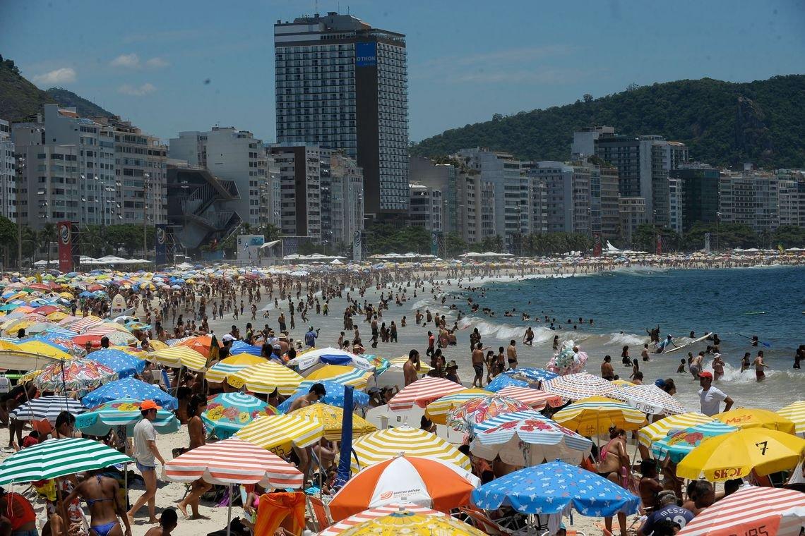 חופי נים של ריו מתמלאים בקיץ