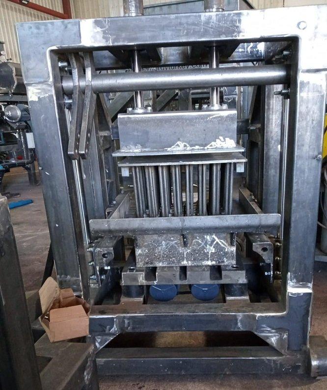 Machine-a-parpaing-manuelle-économique-production-de-parpaing-hourdis-pavé-machine a brique-manuelle