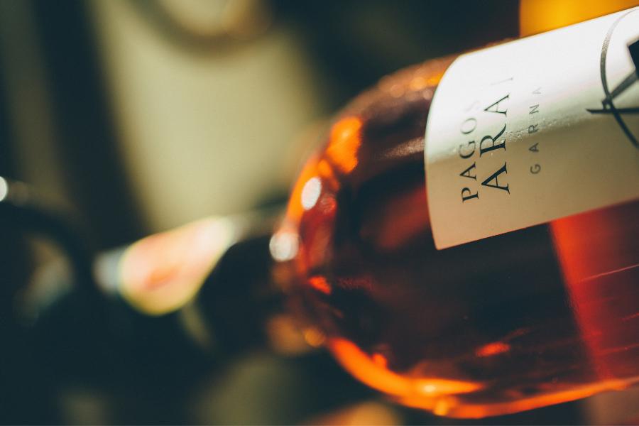 Une bouteille de vin blanc doux