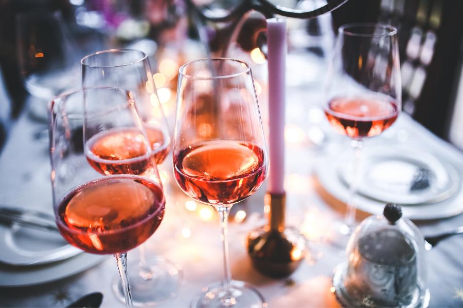 Verres de vin orange