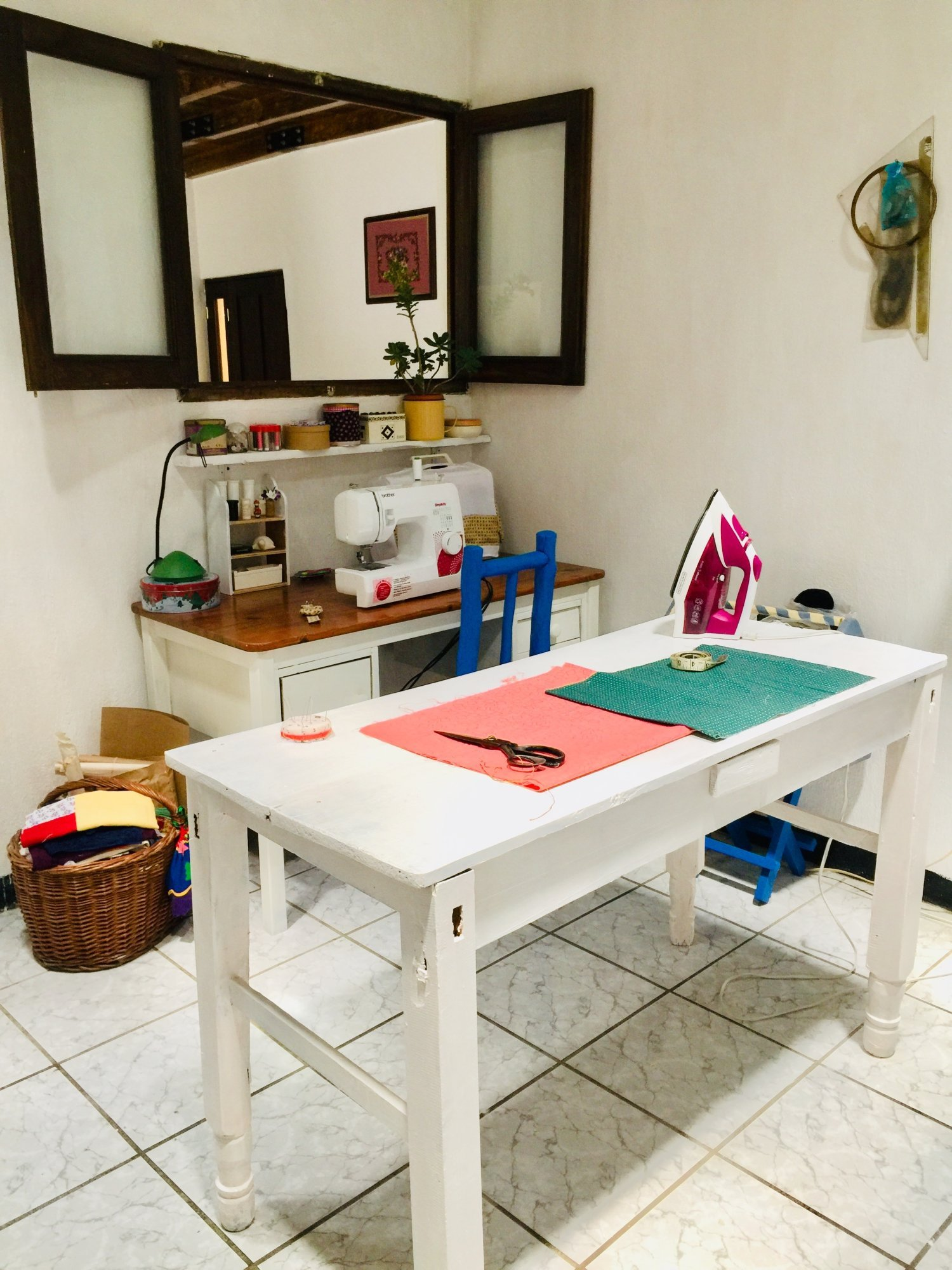 taller de costura-mesa de trabajo
