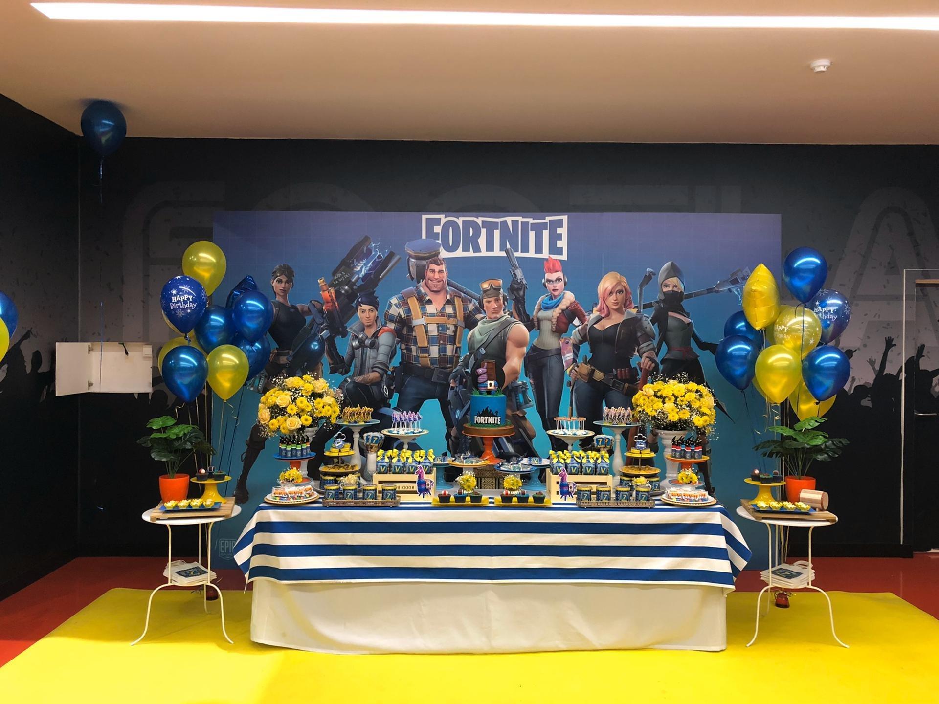Decoração mesa festa infantil Fortinite