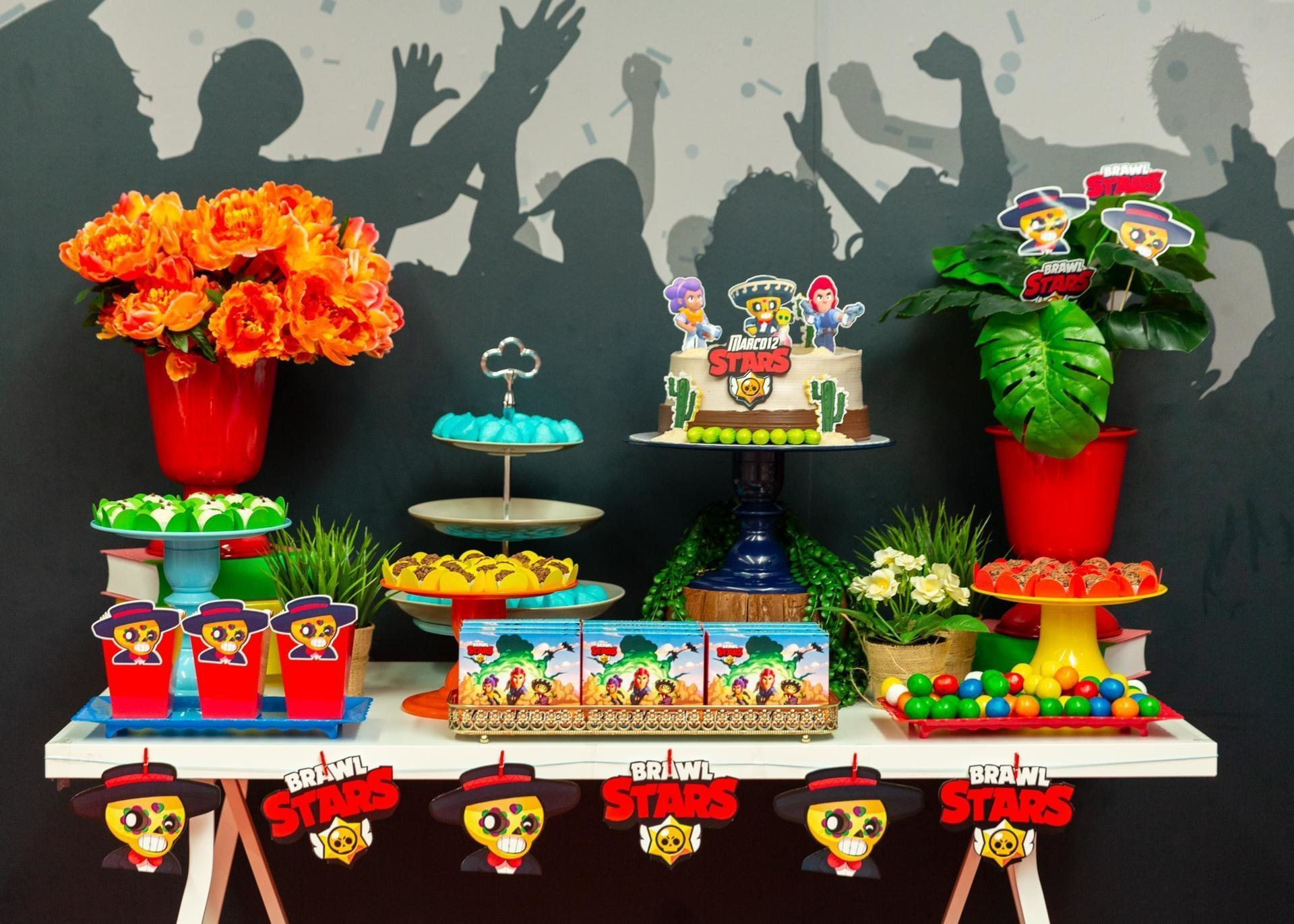 ecoração mesa de aniversário Brawl Stars