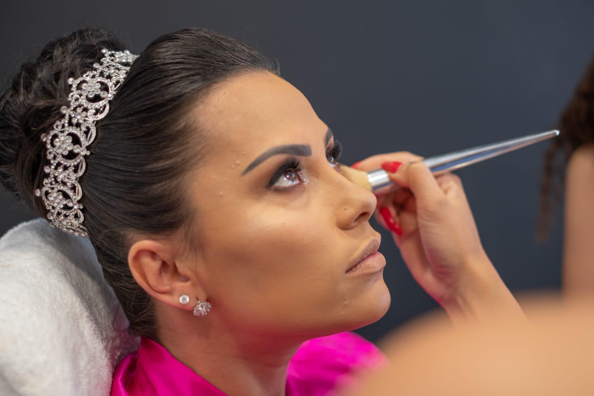 Maquiadores para a noiva no dia do Casamento