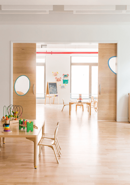 Escola Primária Maple Street / BFDO Architects + 4Mativ Design Studio. Image © Lesley Unruh