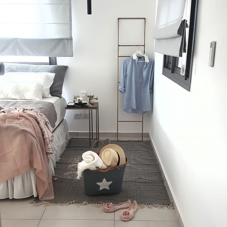 חדר הורים מפנק באפור וורוד