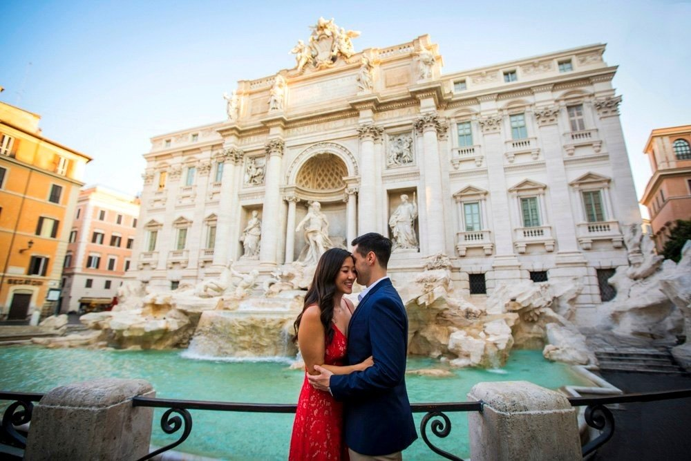 trevi fountain engagement photo session