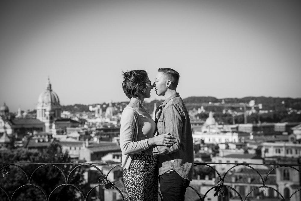 same-sex photo-session ideas in rome