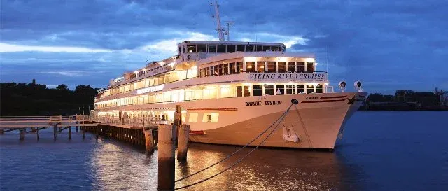 How to get from airport St Petersburg to Salt Pier cruise port