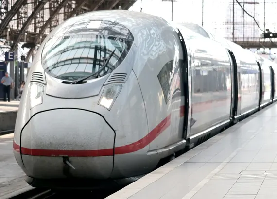 St. Petersburg Train Station Taxi Transfer from 6 € per person!