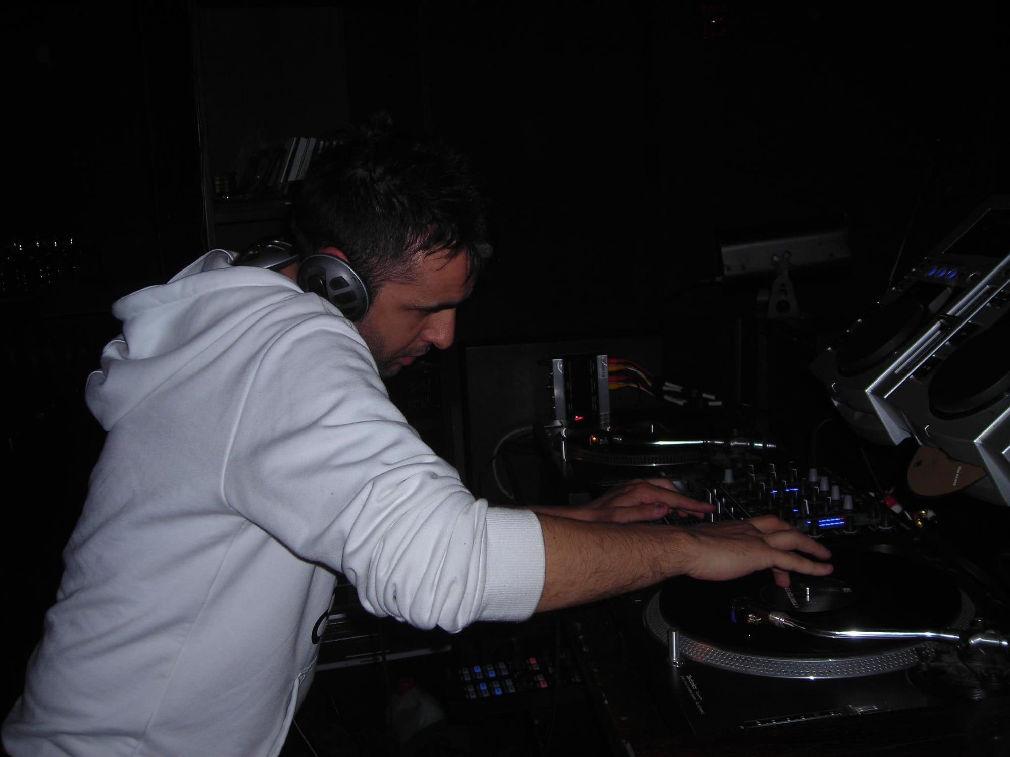 Francesco Conti - Scientific Sound Asia