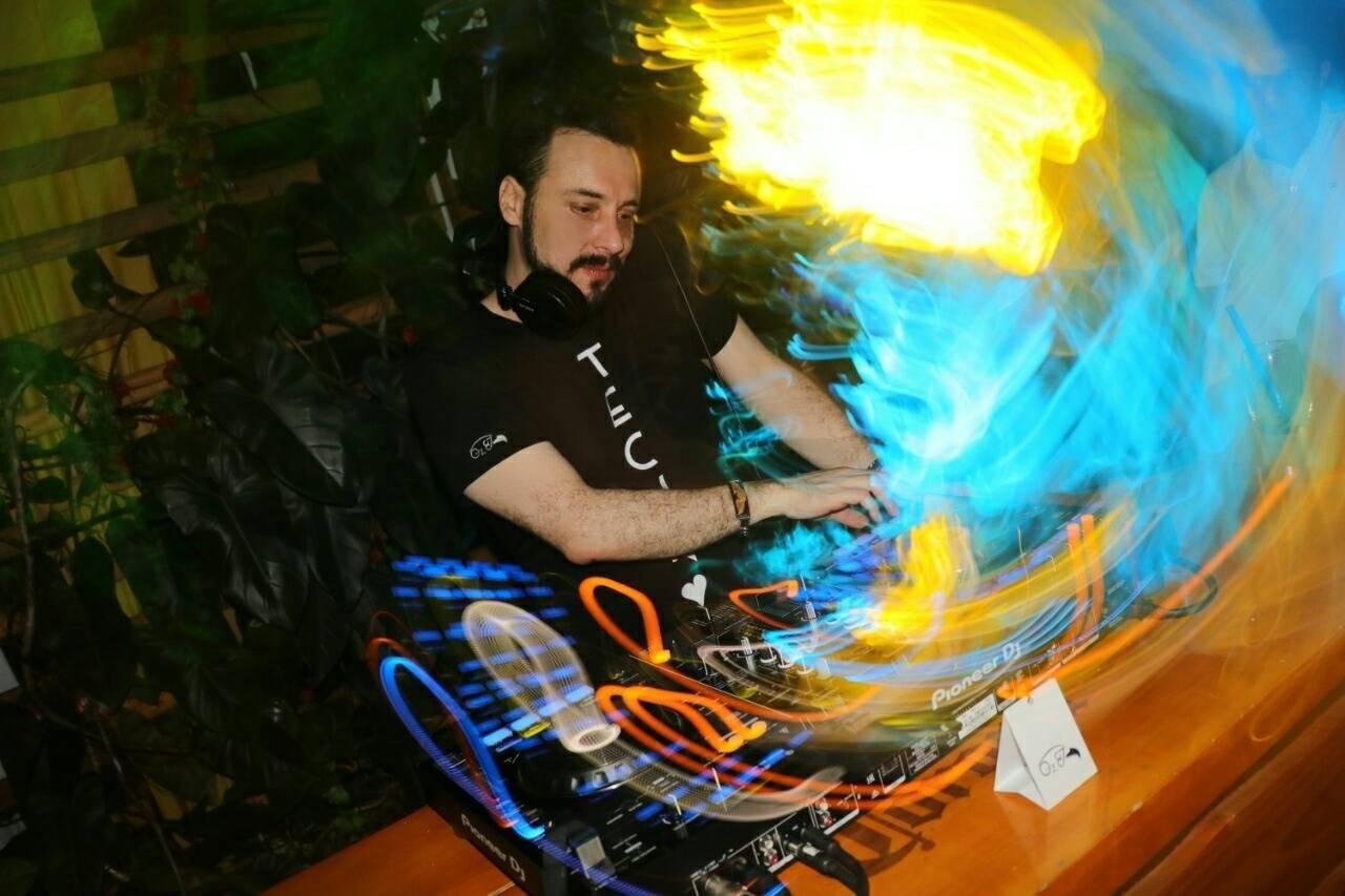 Andres Fierro - Scientific Sound Asia