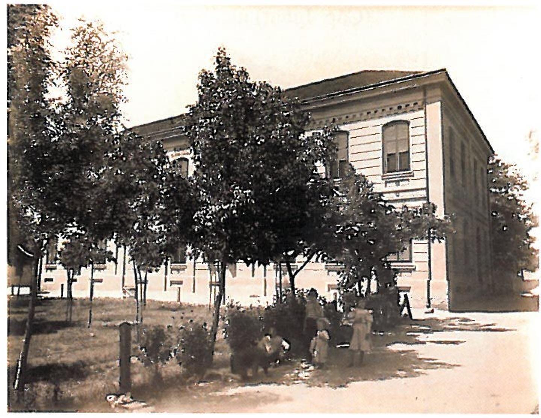 Scoala la periferia Aradului